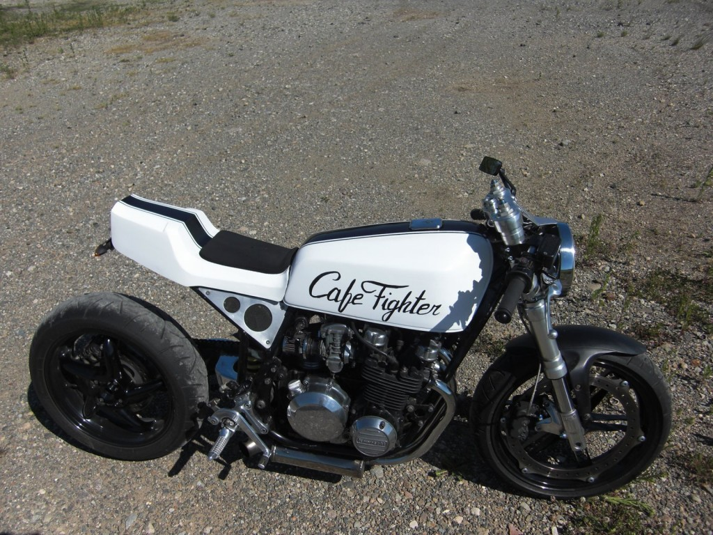 Kawasaki Z 500 Bobber Motorcycle In White with Black Stripe