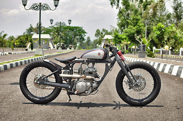 USA Bobber Springer Motorcycle